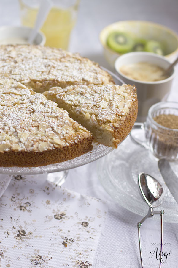 Cocina con angi bizcocho de almendra y coco sin harina for Bizcocho de yogur y almendra