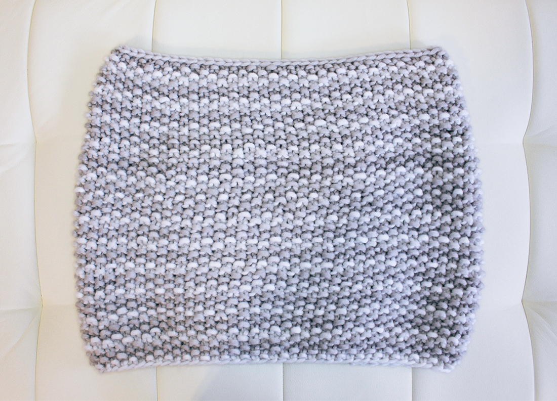 Basic Knitting Scarf Patterns : Purllin: Snow Day Infinity Scarf Free Pattern