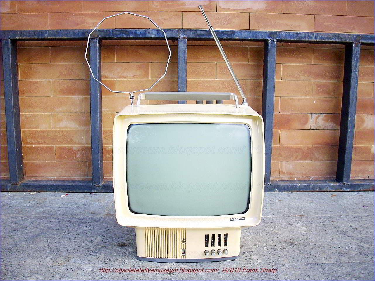 Obsolete Technology Tellye !: NAONIS (ZANUSSI) TN 12\