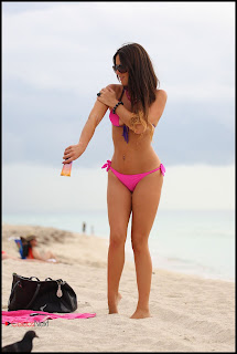 Claudia Romani Bikini Pictures at a Beach in Miami  0001.jpg