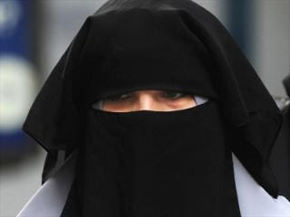 Australian Police to Get Power to Lift the Veil Under New Burqa Laws