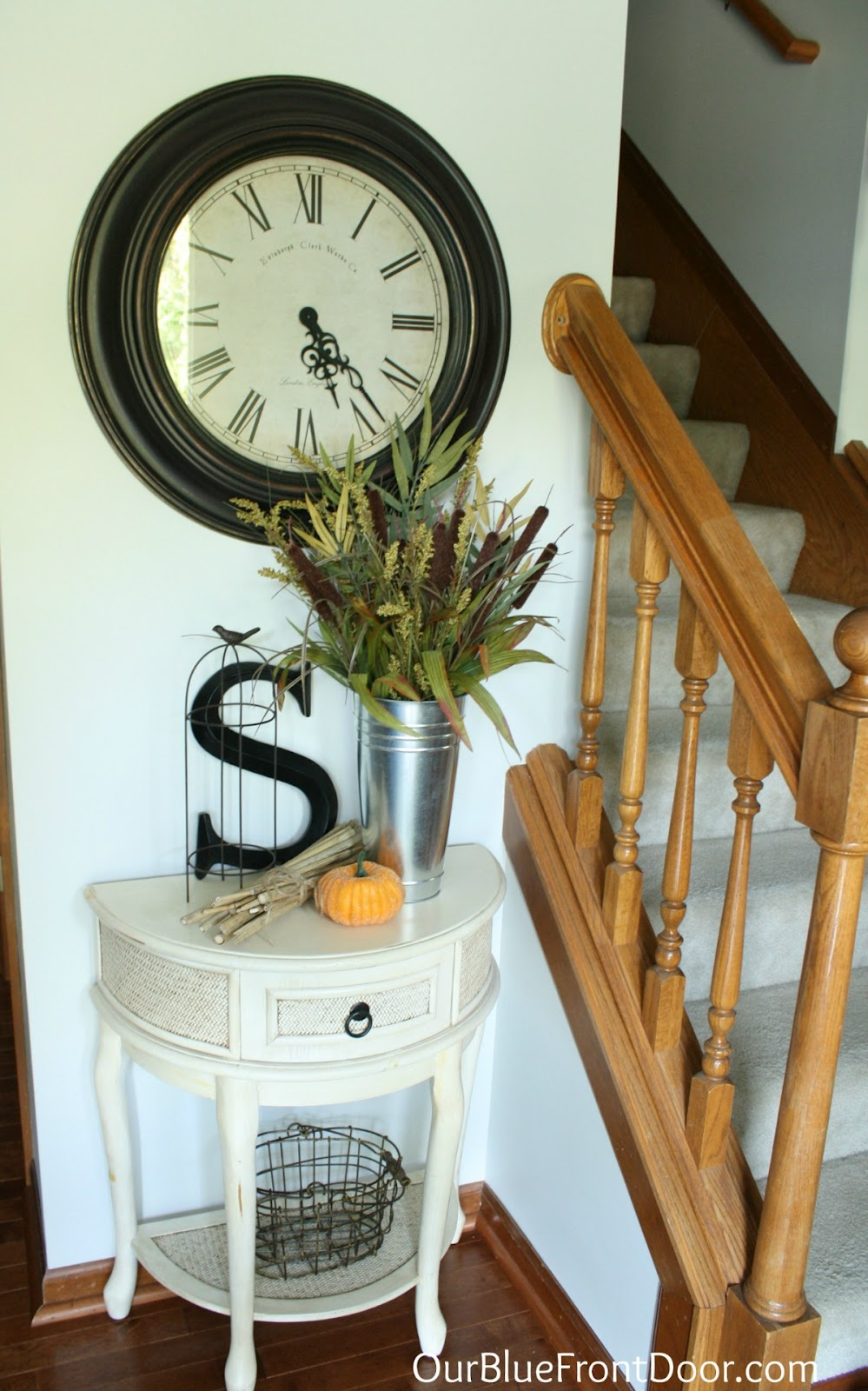 entry on pinterest entryway small entry tables and small entryways