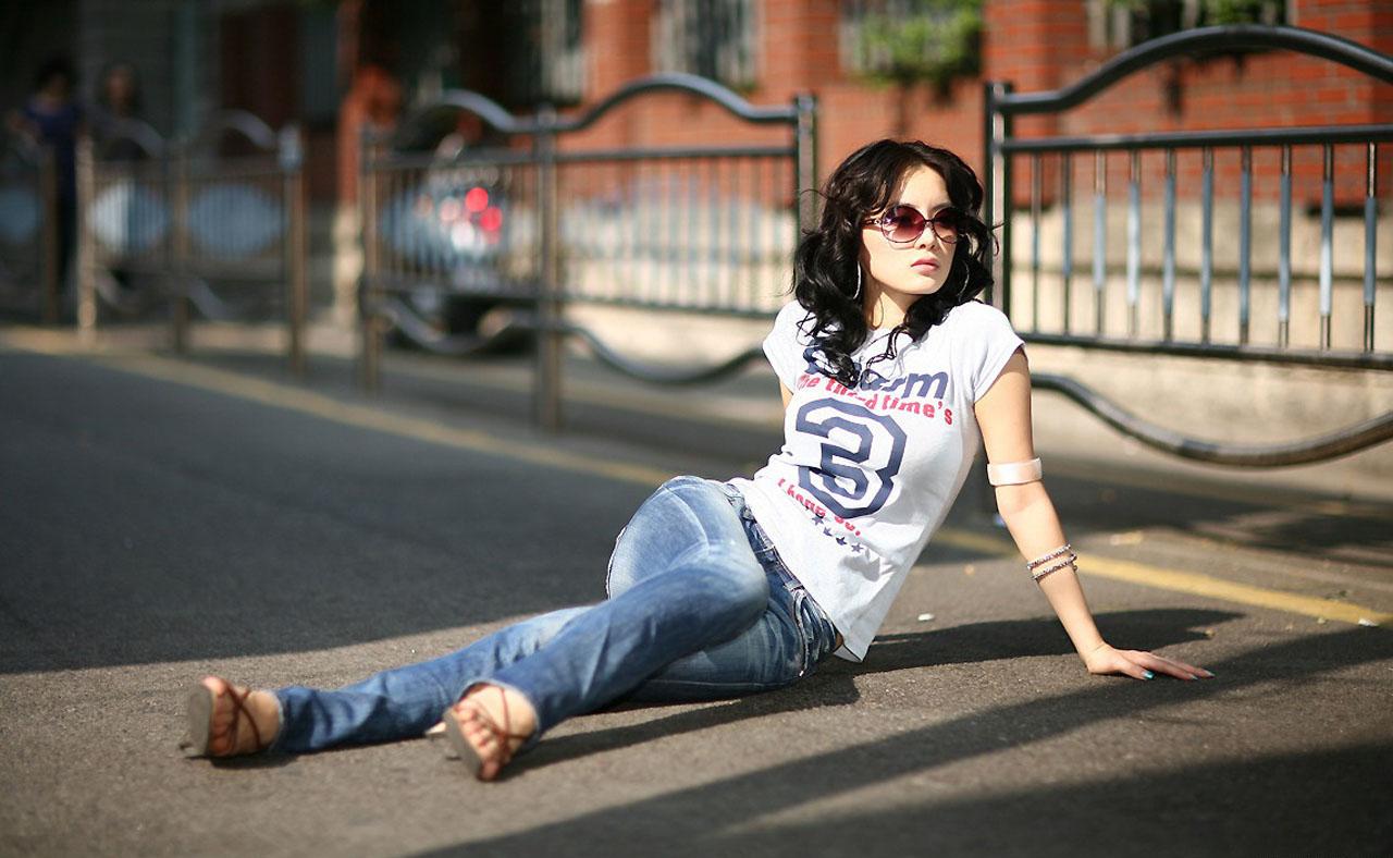 http://1.bp.blogspot.com/-K--Nbz8w3oU/T0UR6Vdpb_I/AAAAAAAACJ0/H8NP5XyJV9M/s1600/im+ji+hye-wallpaper-03.jpg