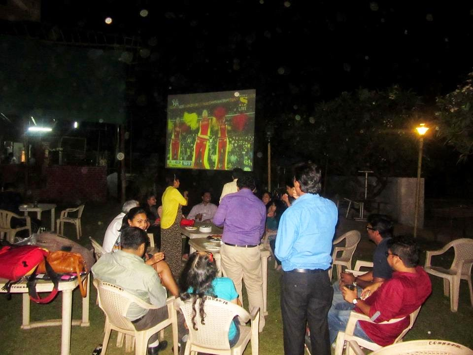 IPL Live Match at Country Club India
