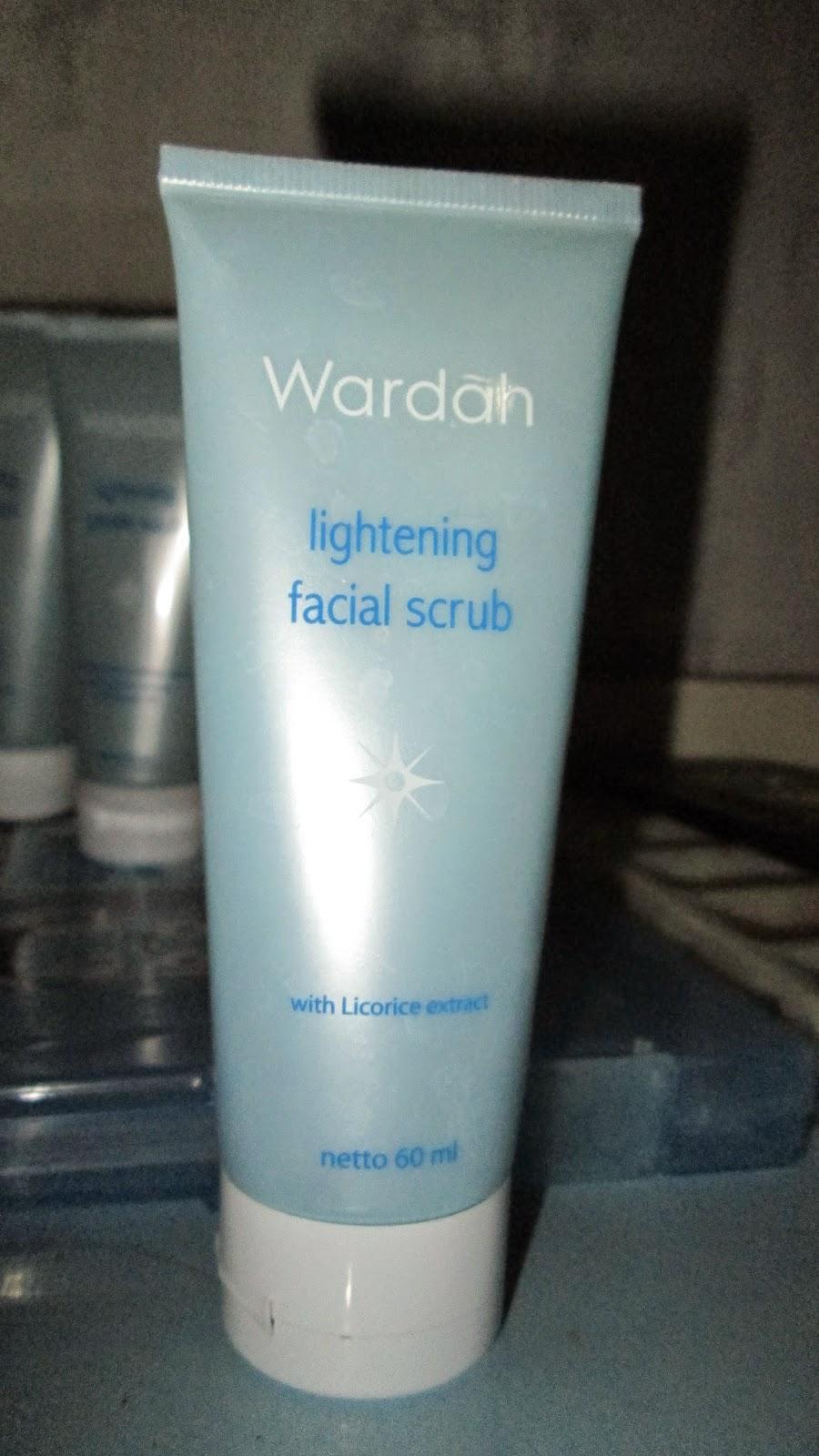 Review Wardah Lightening Series Recommended Spicysugar Facial Scrub Nah Produk Terakhir Yang Saya Beli Ini Sebenernya Adalah Inti Kalo Mau Mencerahkan Kulit Serum Di Mirota Pas Hari Jumat