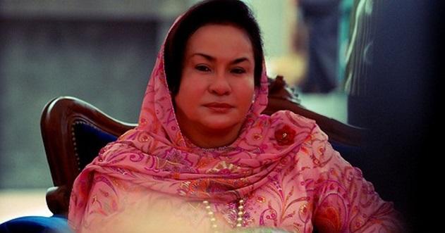 2 Foto gadis cun yang sebijik mirip dengan Datin Rosmah Mansor kini jadi viral di laman sosial