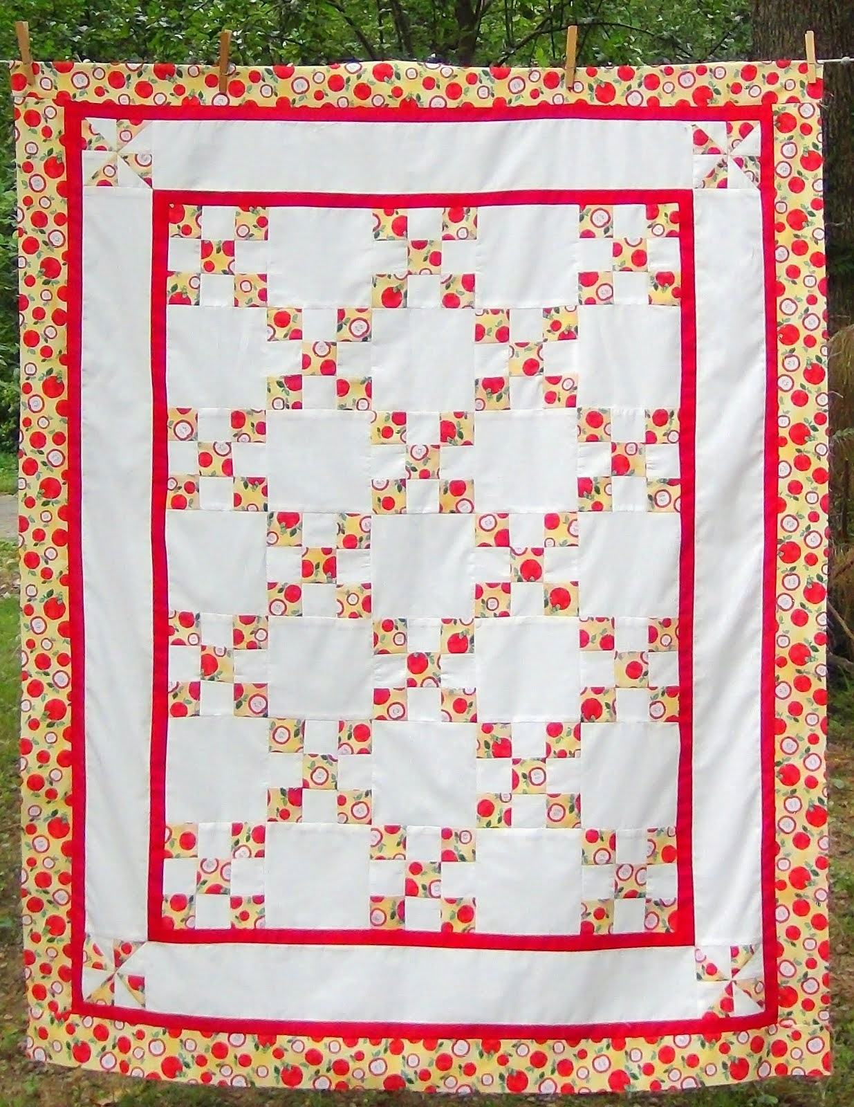 Apple themed IRISH Chain Quilt Top