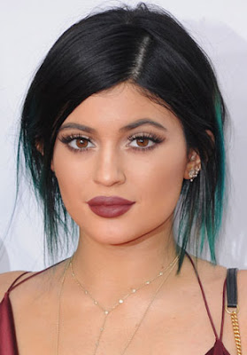 Beauty blogger Indonesia Raden Ayu Kylie Jenner makeup