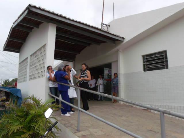 Policlínica Doutro Jarbas Maribondo no Centro de Conde