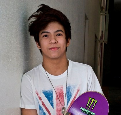 Nash Aguas Attracted to One of the Girls in LUV U