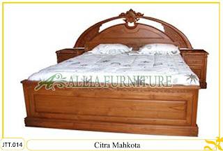 Tempat tidur ukiran kayu jati Jepara Citra Mahkota