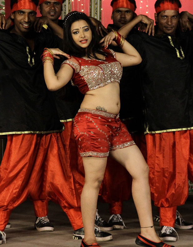 Swetha Basu Prasad in hot pants, Swetha Basu Prasad in short dress, Swetha Basu Prasad in half red pant, Swetha Basu Prasad in tight dress,