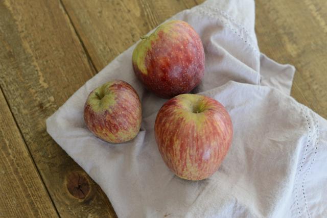 fall apples via M Loves M @marmar