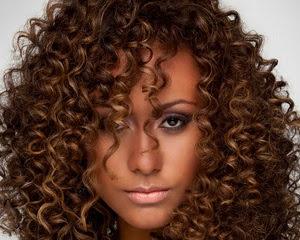cabelos-cacheados-negras-afro-descendentes-3
