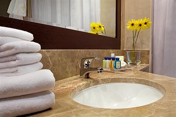 احلى ديكورات لعيونكم 2011 Four Points By Sheraton Sheikh Zayed Road - photo 10.jpg