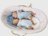 Penyebab Kehamilan Kembar dan Risiko Yang Dihadapi