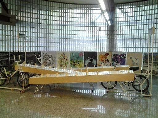 Exposición Mejor en bici en el IES Juan de la Cierva