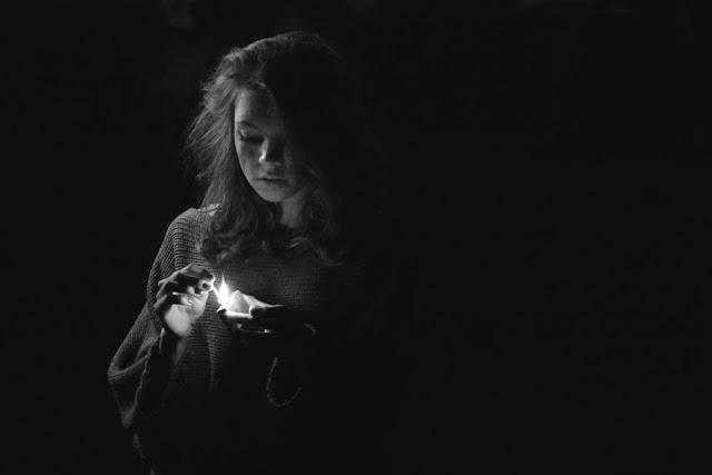 Το Κορίτσι Με Τα Σπίρτα (Βίντεο) Ex Protestant