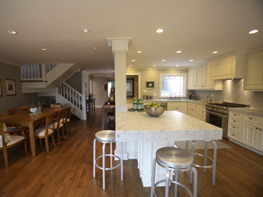 Kitchen dining rooms great rooms and room kitchen on for Combined kitchen and dining room ideas