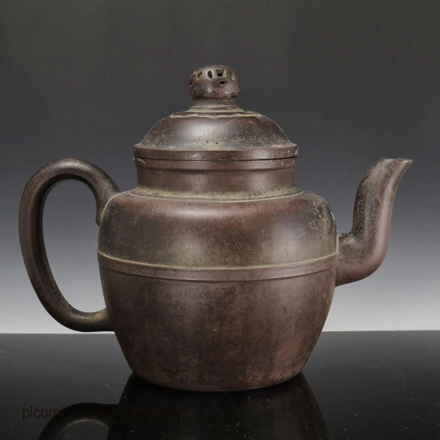 "<img src=""ming yixing.jpg"" alt=""Rare Yixing Teapot of Ming Dynasty"">"