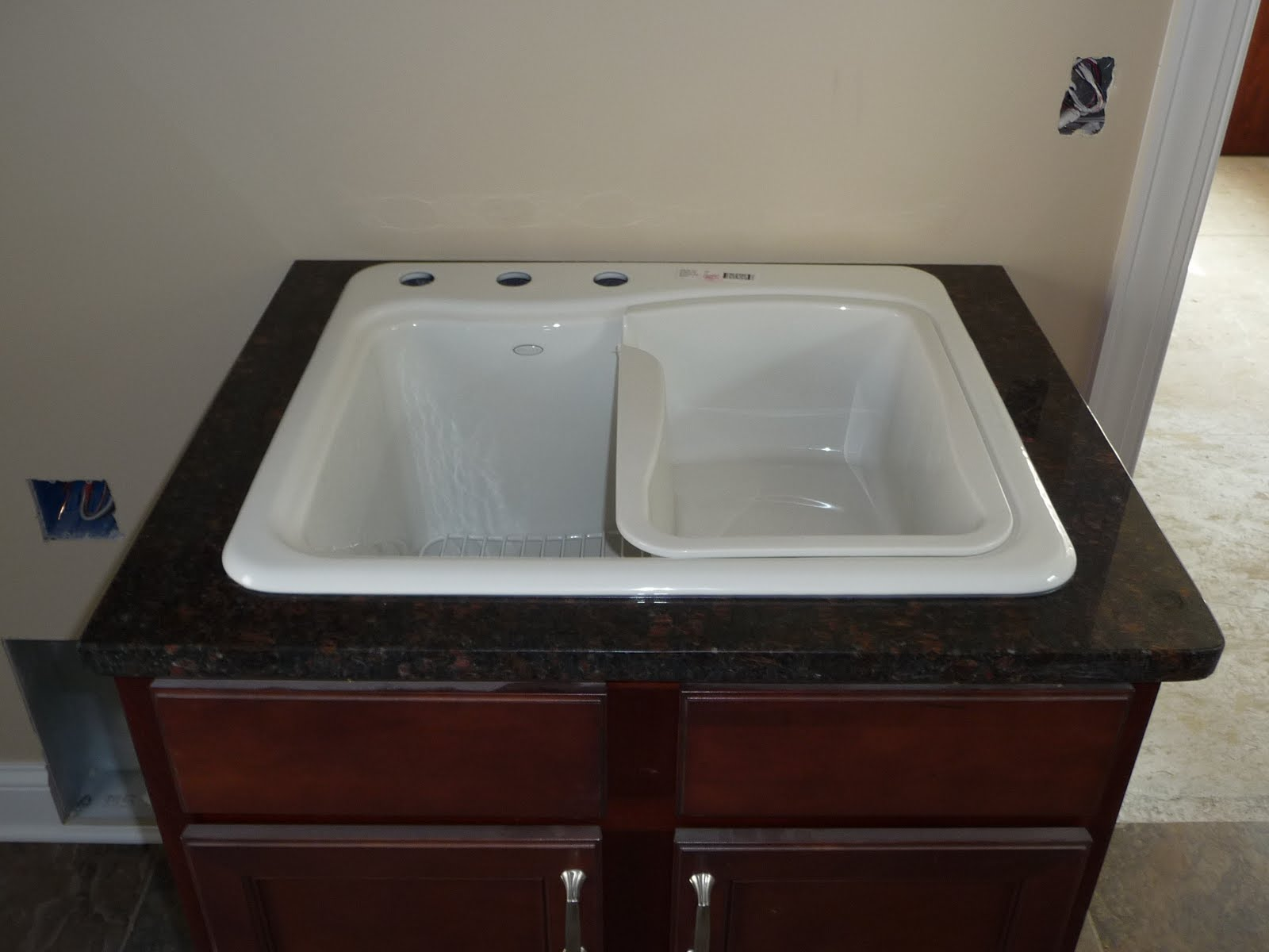 ... Grove, Minnesota: June 4th - Part 2 of 5 (Kitchen and Mud Room Sinks