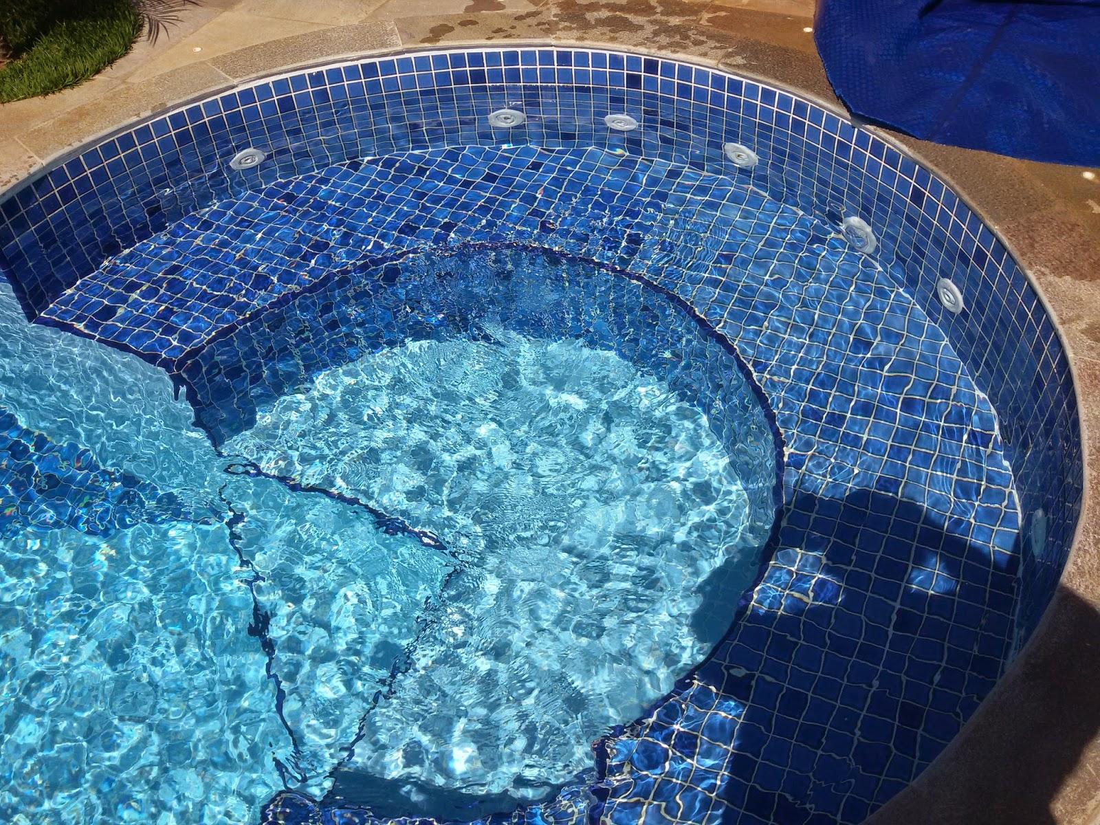 Park way piscinas pastilhas for Piscina 6 x 3
