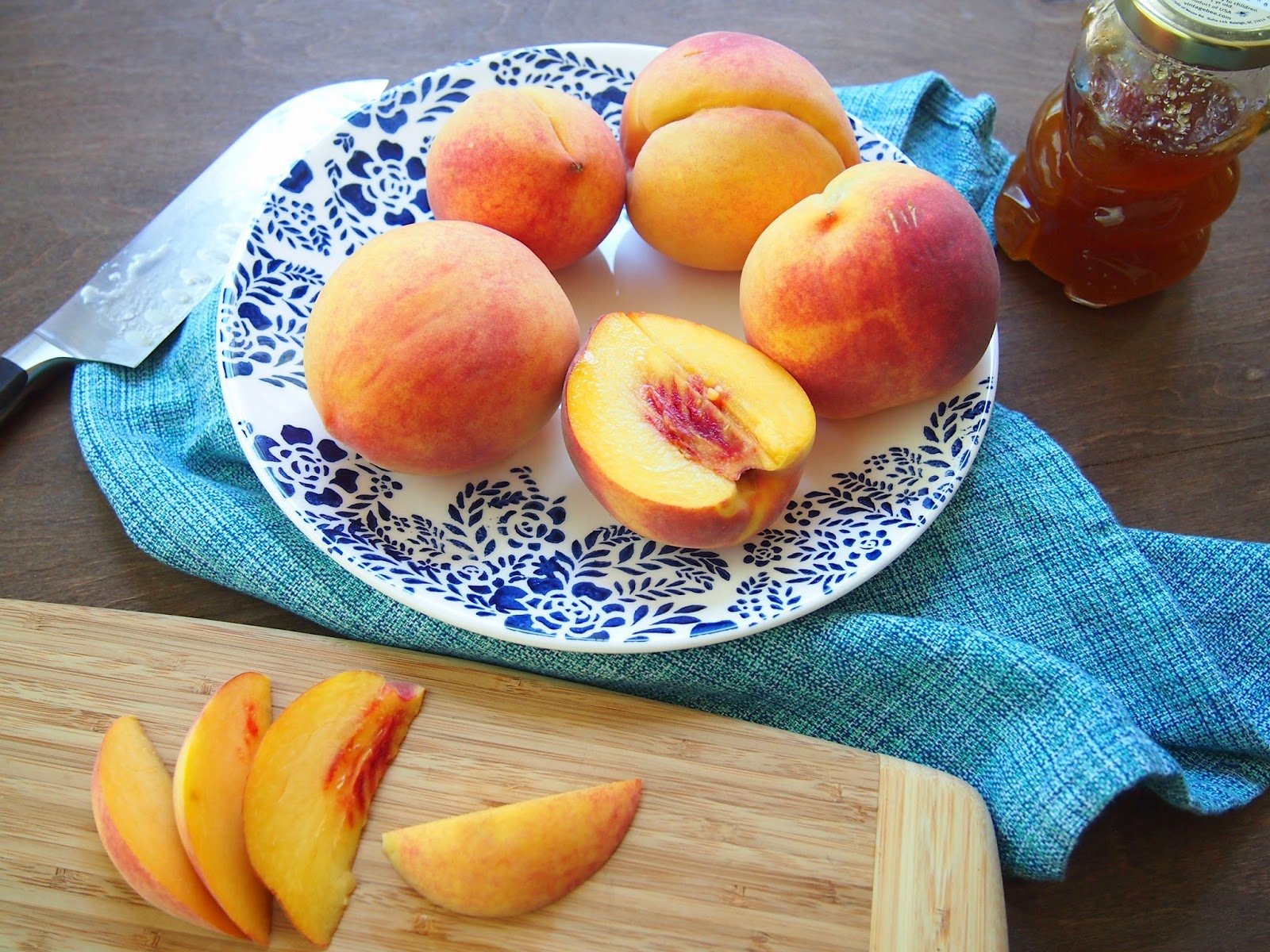 sliced peaches for peach salad