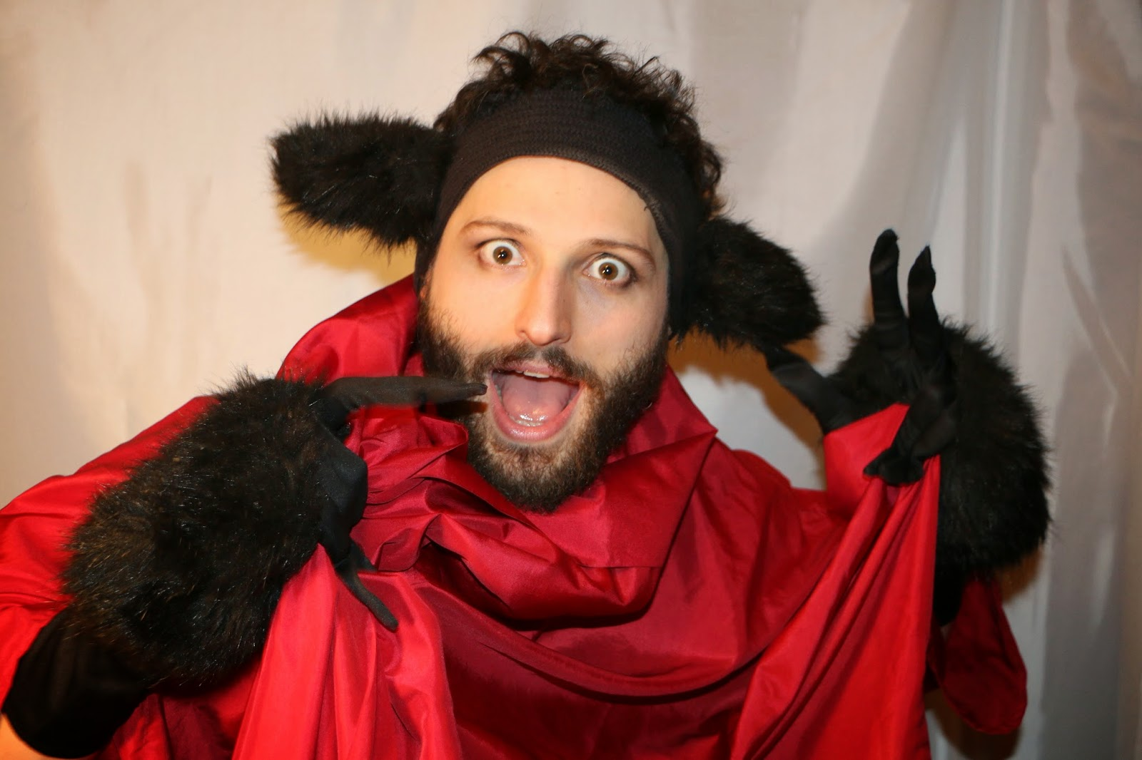 THE CHARMING BIG BAD WOLF-1R-RED RIDING HOOD 2015--GLEAMS THEATER--IRA SOKOLOVA- PHOTO: SHAHRZAD GHAFFARI WESTMOUNT, QUEBEC, CANADA