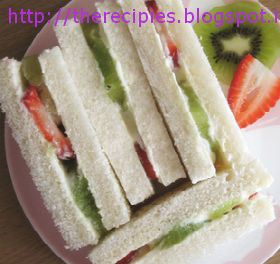 healthy fruit sandwich