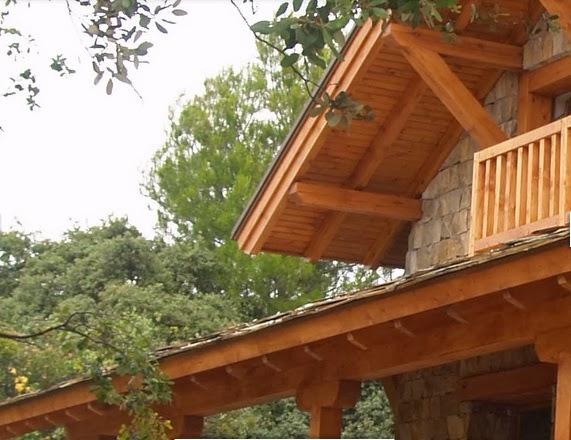 Fachadas de piedra fachada rustica de piedra y madera - Casas de piedra y madera ...