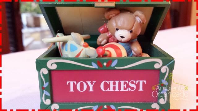 Enfeite de Natal caixa de brinquedos