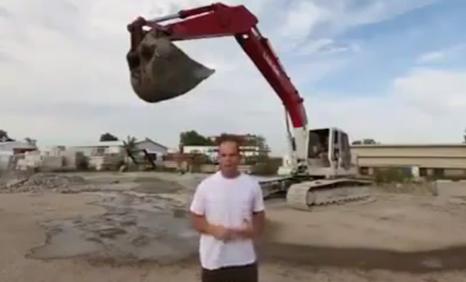 Man Seriously Injured While Using A Crane For Ice Bucket Challenge