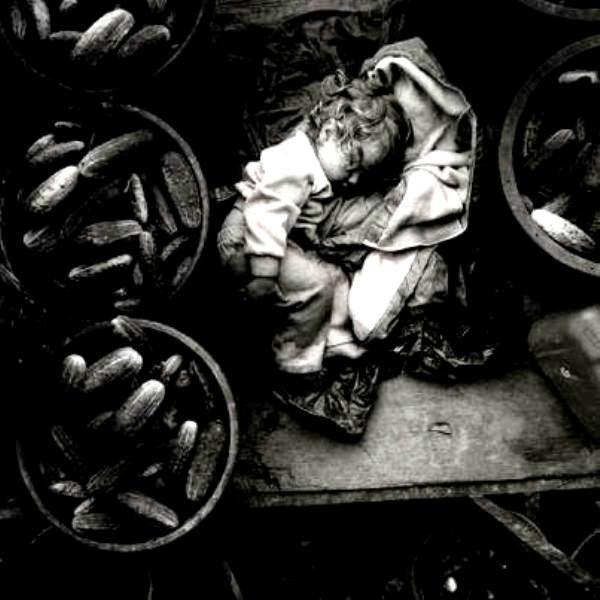 """Poema NIÑO REMOTO, de Paco Moral; Libro de Referencia: Juan José Delgado, """"La fiesta de los infiernos"""" Col. «Novela» Carlos Morales Ed., Ed. El Toro de Barro, Tarancón de Cuenca, 2002. PVP 15 euros edicioneseltorodebarro@yahoo.es"""