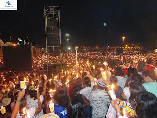 Praça dos Romeiros após a Procissão das Candeias.