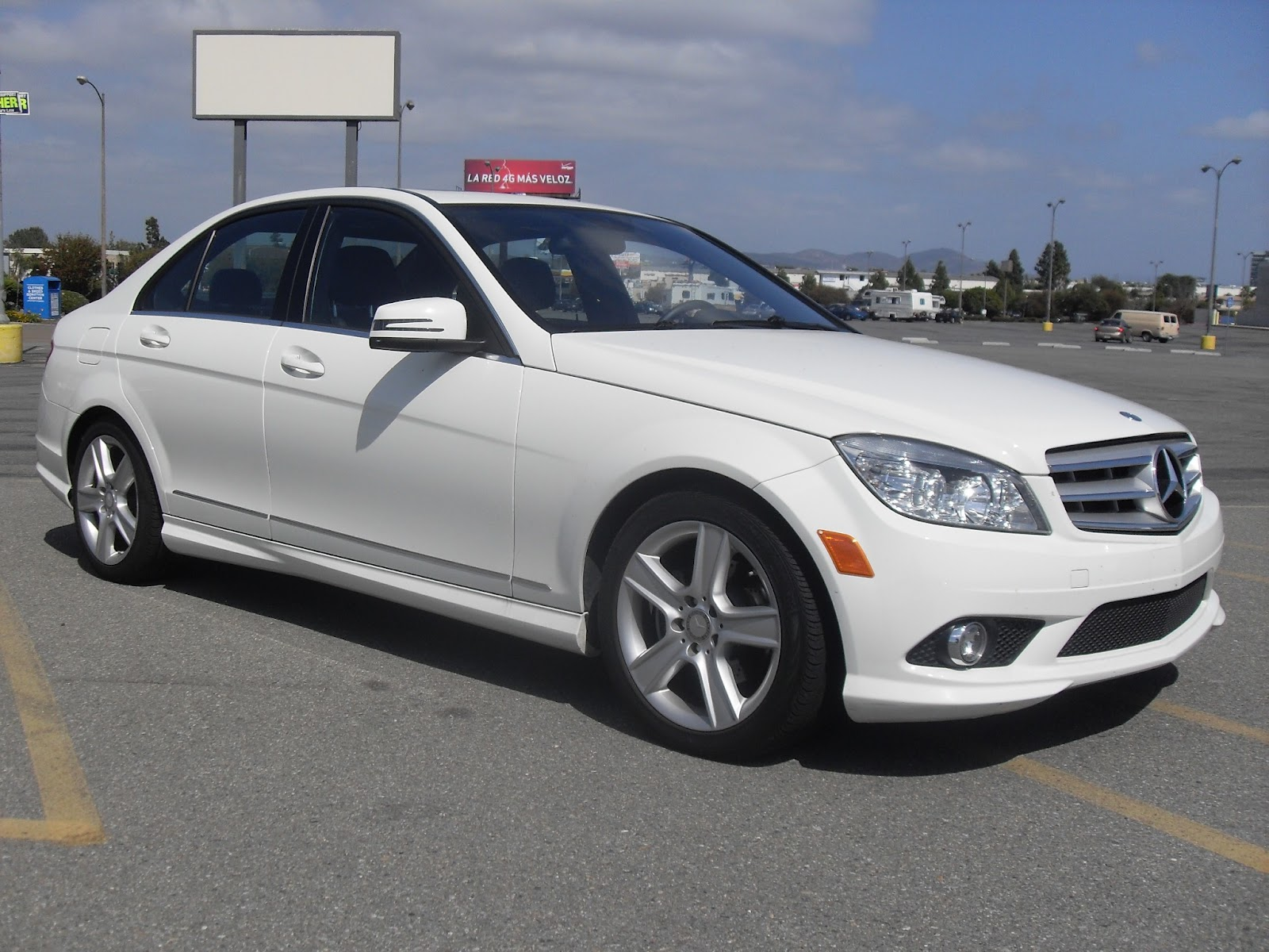 2010 mercedes benz c300 white t tak auto service for Mercedes benz c service cost
