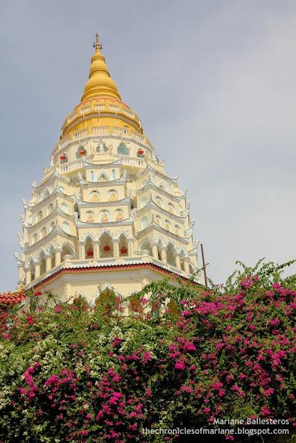 Kek Lok Si Temple ten thousand buddha