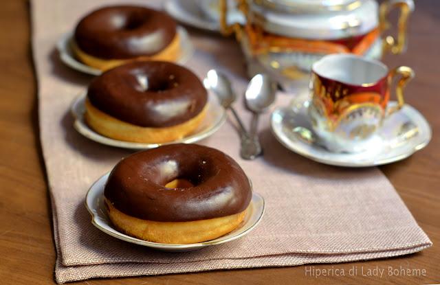 hiperica_lady_boheme_blog_di_cucina_ricette_gustose_facili_veloci_dolci_ciambelle_americane_donuts_3