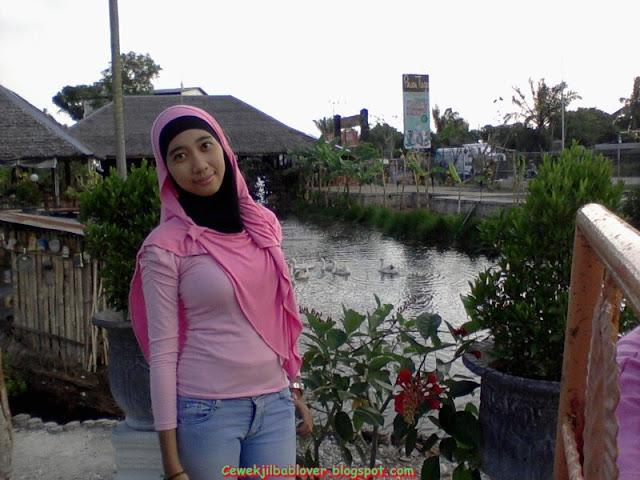 Foto Cewek Cantik Berjilbab Terbaru 2014