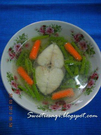 Sup Ayam (dan) Sayur (dengan Volume Air yang Sama, Kalengan)