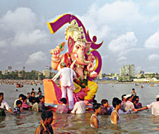 Ganesh Visharjan Videos 2013 - Ganesh immersion