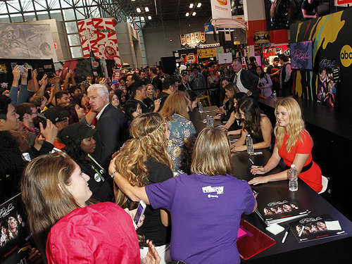 Sasha Pieterse with PLL fans at New York Comic Con