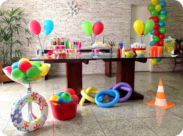 Festa tema piscina pool party car interior design for Piscina party