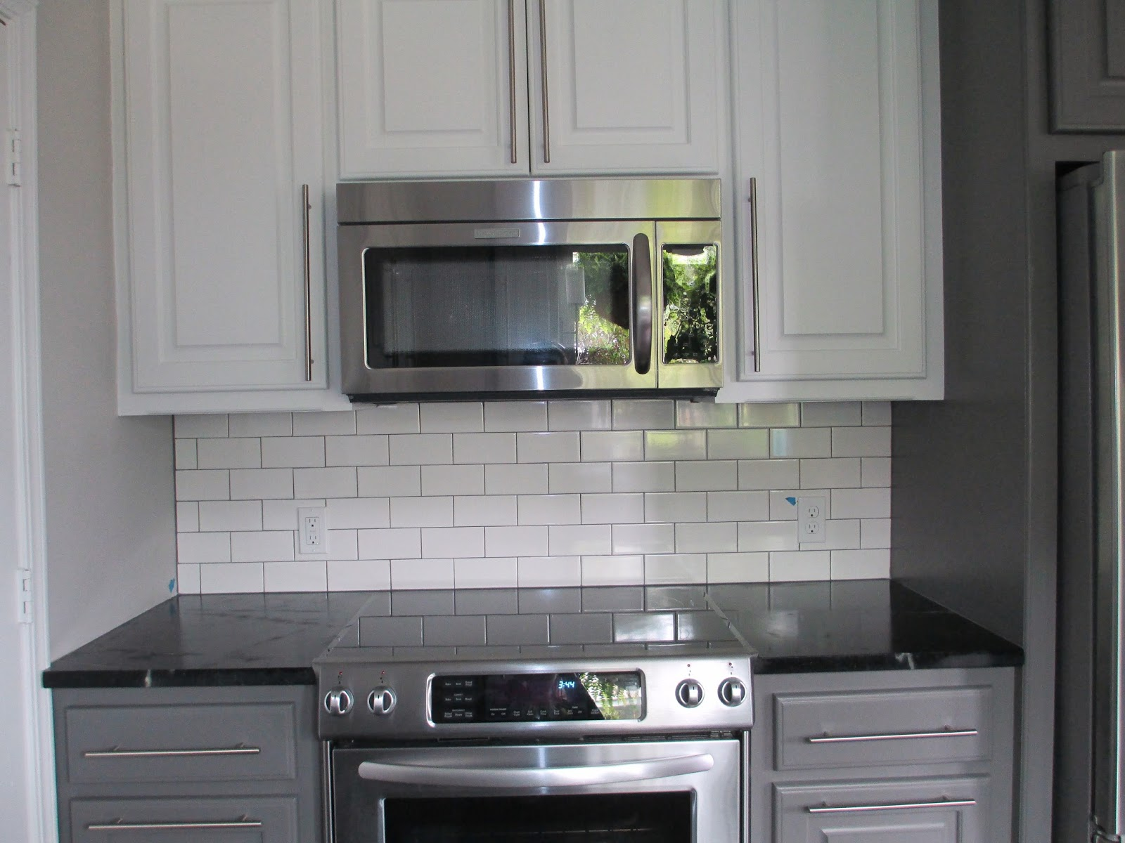 White subway tile dark grout gallery of subway tile kitchen white subway tile dark grout free dailygadgetfo Gallery