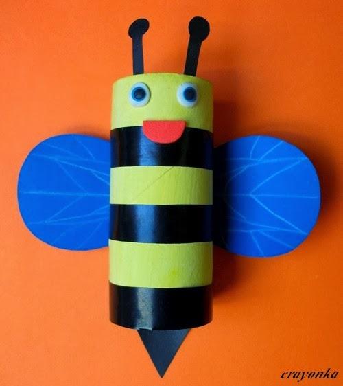 Pszczoła z rolki po papierze