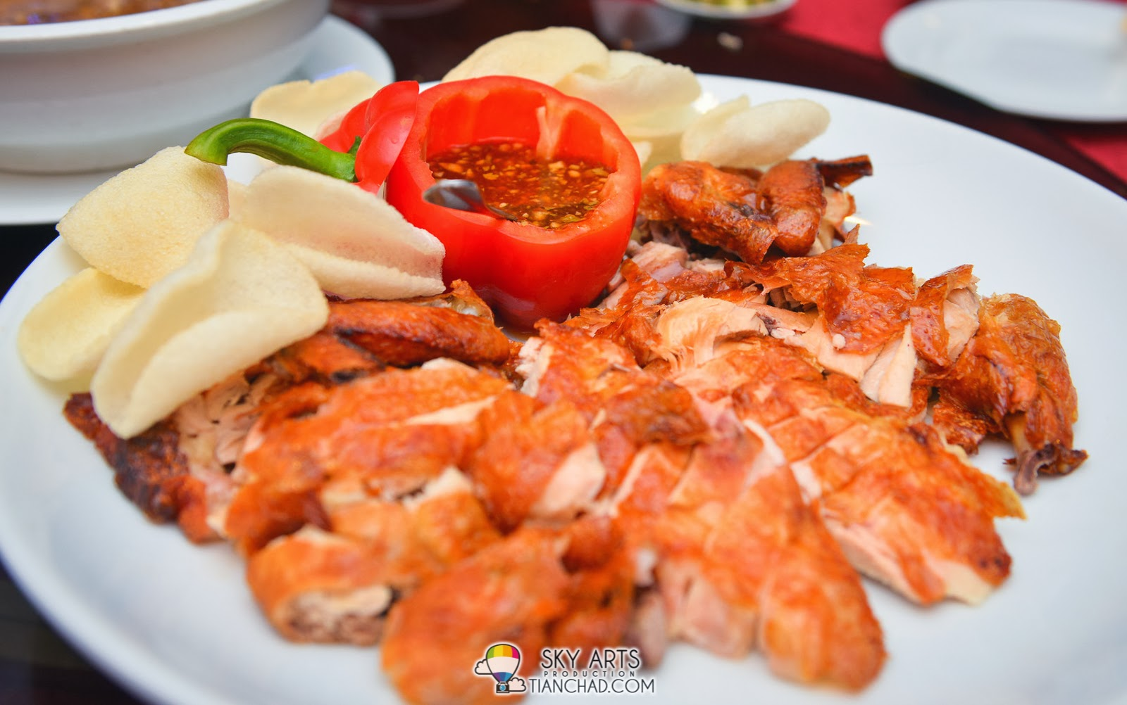 辣梅醬脆皮鸡与虾片 Crispy Roasted Chicken with Spicy Plum Sauce and Prawn Cracker @ Phoenix Chinese Restaurant at Holiday Inn Glenmarie