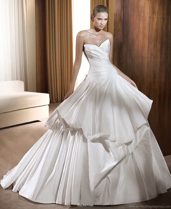 Labels Wedding dresses 2011 collection