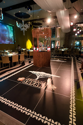 dance floor and custom dj booth - event design by objet bart