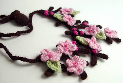 free crochet cherry blossom necklace pattern