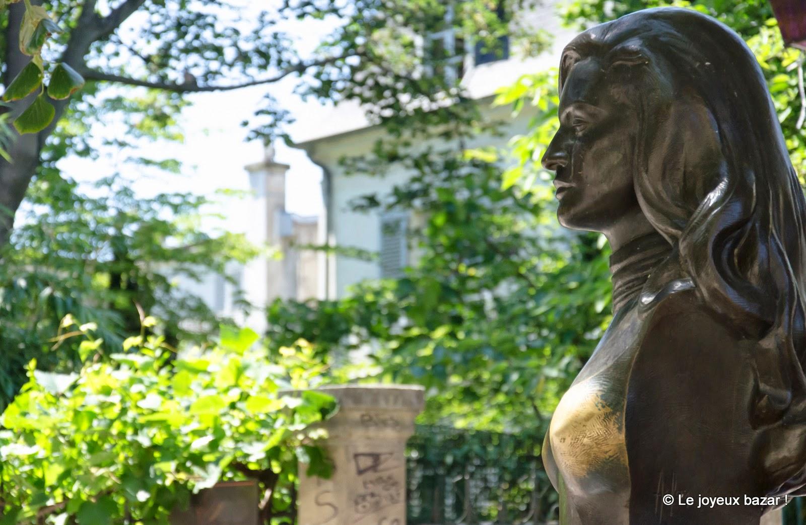 Paris - Montmartre - Place Dalida