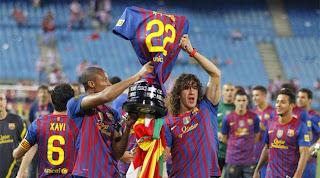 Una Copa con dedicatoria especial para Abidal